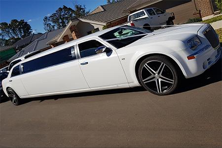 Chrysler 300c 10 Passengers Stretch - Wedding Cars Australia